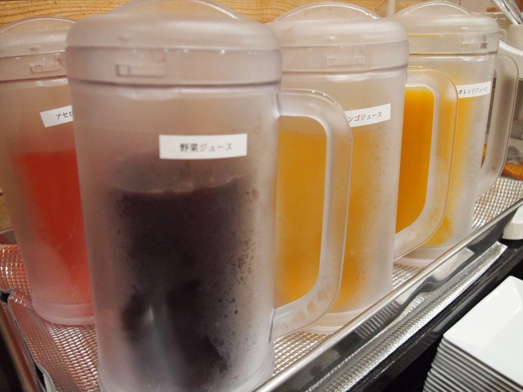ホテルたいよう農園 赤字食堂 バイキング形式朝食 ジュース類
