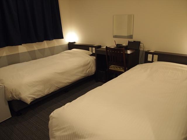 松山市 ホテルたいよう農園二番町 バリヤフリールーム ベット