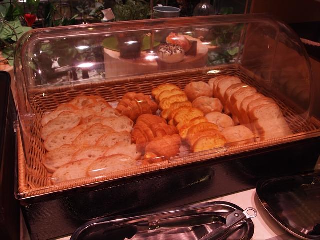 ホテルたいよう農園二番町 朝食バイキング パン