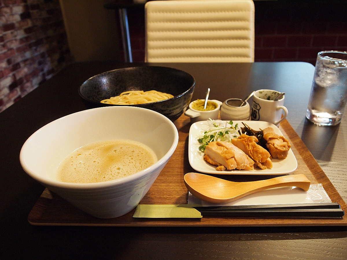 徳島市南内町 鶏そば つけ麺 すゞや 温かい