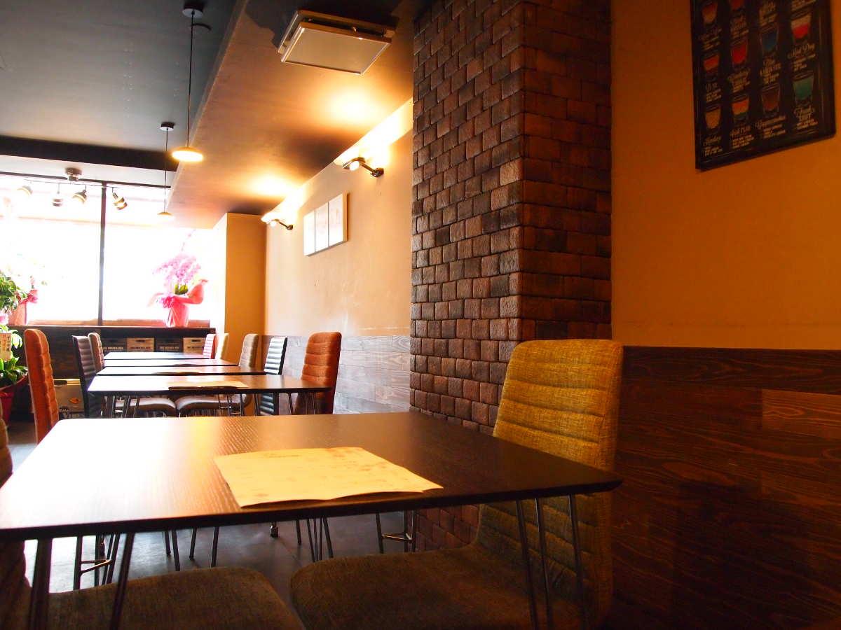 徳島市南内町 鶏そば つけ麺 すゞや 非徳島ラーメン あっさり 鶏塩ラーメン 内観