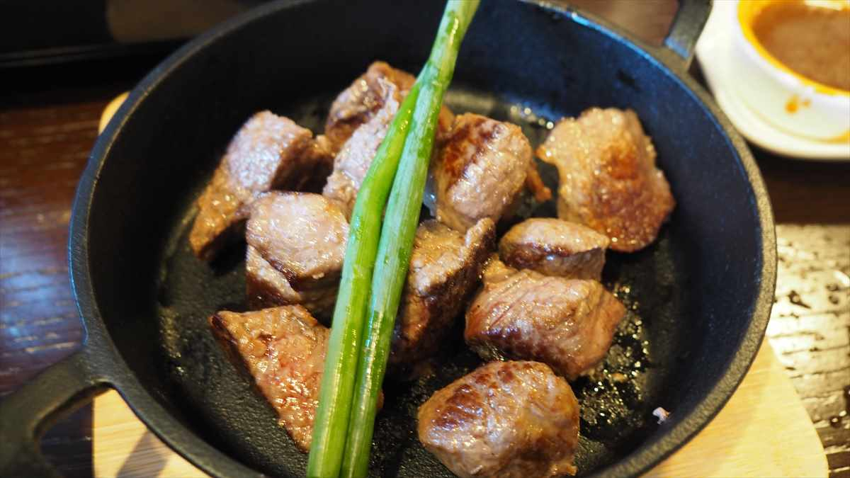 徳島市南内町 鶏そば つけ麺 すゞや 夜間営業限定メニュー 野菜鍋 玉子出汁 お肉