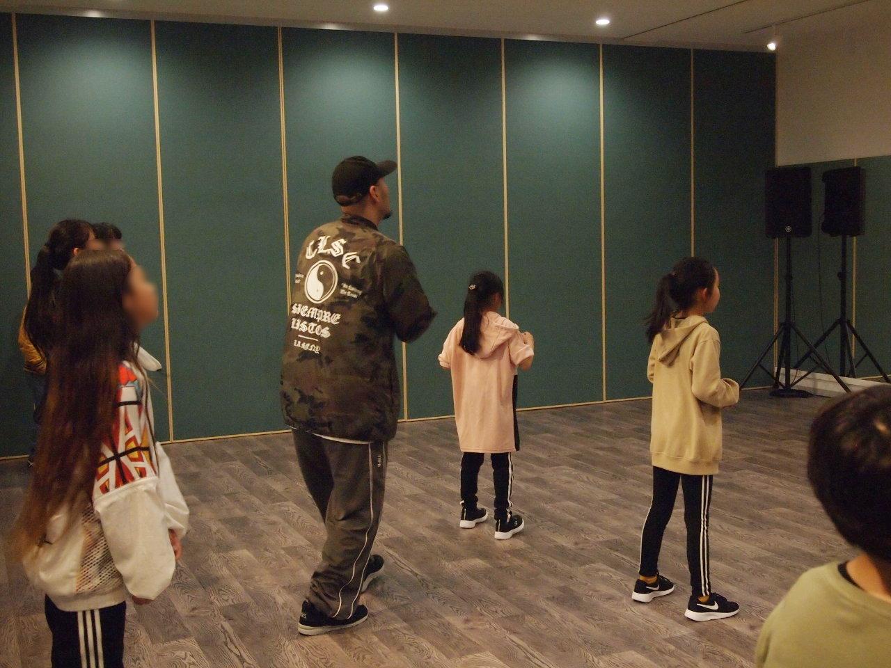 徳島県北島町 ダンススタジオ ダンススクール B.I.G(ビーアイージー) KIDS HIPHOP超入門 KAZU 岩佐和宏