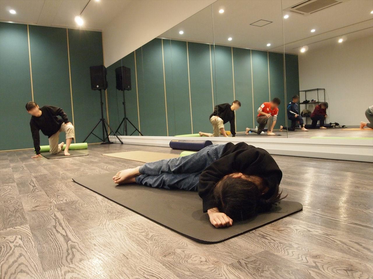 徳島県北島町 ダンススタジオ ダンススクール B.I.G(ビーアイージー) 体幹ストレッチ KAZU 岩佐和宏