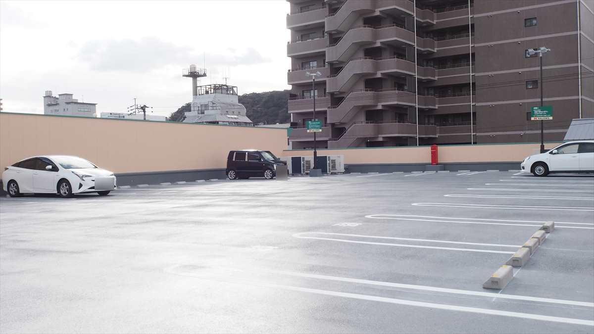 ハローズ佐古店 しまむら佐古店 二階駐車場