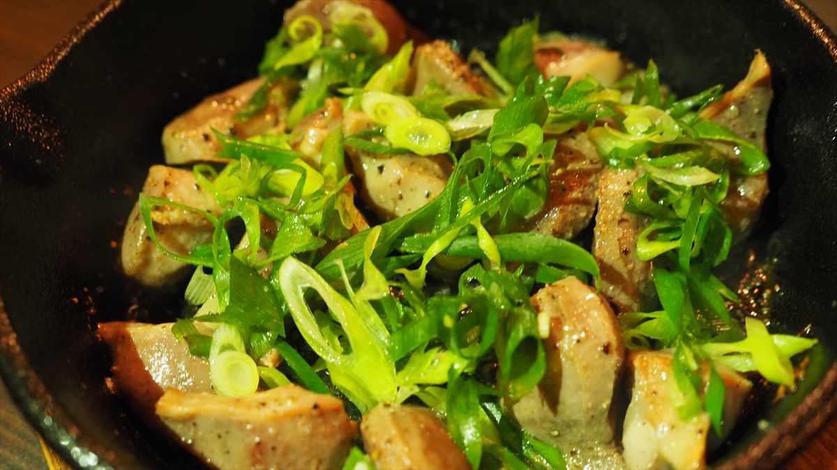 徳島市栄町 創作ダイニング hana 家庭料理 砂ずりの黒胡椒焼き おいしい