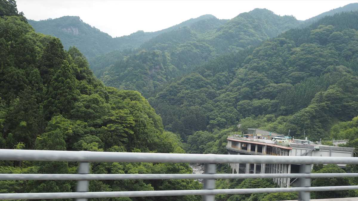 天空の村・かかしの里 徳島県三好市東祖谷菅生(すげおい) ルート 道路画像