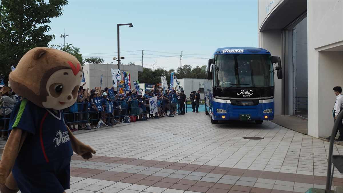 徳島ヴォルティスvsジェフ千葉 2019/7/7 吉野川市民デー 選手バス到着