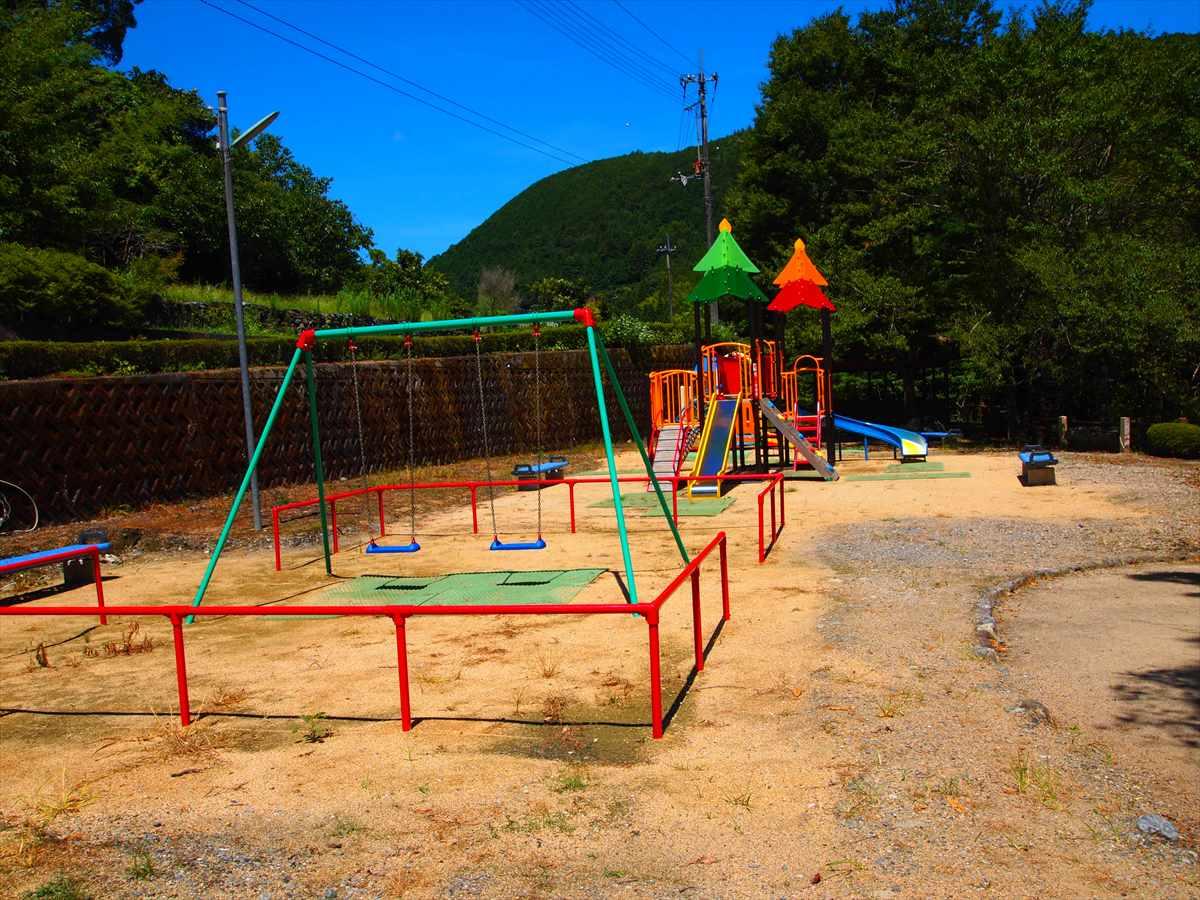 神山温泉 農村ふれあい公園 徳島県神山町 川遊び 遊具