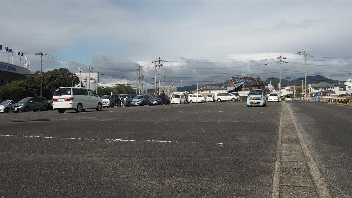 ポカリスエットスタジアム駐車場 ⑧ 無料 試合開始3~4時間前